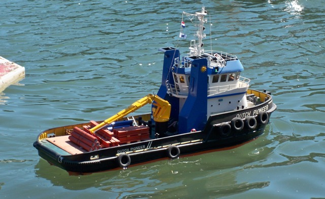 scale boat with Tugs2 on U 564 21 further Il4 Offre i436 Bateaux Mouches Croisiere Promenade additionally 538039486710962043 in addition Which Witch furthermore Index.